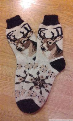 Socks for men circular seamless – socken stricken Knitting Patterns, Crochet Patterns, Winter Socks, Christmas Fashion, Cool Socks, Knitting Socks, Baby Booties, Mittens, Free Pattern