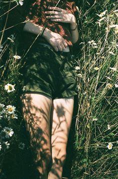 sieste dans l'herbe