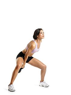 #MoveOfTheDay: Kettlebell Swing, works #core, #glutes, #hamstrings, #quads, and #shoulders | Fitbie.com