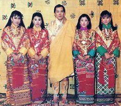 Fomer King Jigme Singye Wangchuck of Bhutan with his four Queens.