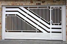Portão Tubular EP-023 com preenchimento de metalon de aço carbono 100% galvanizado em diversos perfis. Home Gate Design, Gate Wall Design, Grill Gate Design, House Fence Design, House Main Gates Design, Iron Gate Design, Main Door Design, Balcony Railing Design, Modern Steel Gate Design