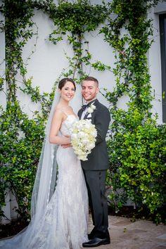 Jennifer & Harold's Boca Raton wedding @jenniferoth // #DonnaMorgan Audrey Dress in Coral // Emily Harris Photography  // Florist: Daniel Events #outdoorwedding #coralwedding #weddinginspiration #coralbridesmaidsdresses