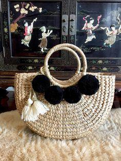 Hand Woven Straw BagPom Pom ToteStraw HandbagTassel Pom Pom Beach Totes, Flower Chandelier, Art Bag, Jewelry Accessories, Unique Jewelry, Crochet Bags, Straw Bag, Diy And Crafts, Picnic