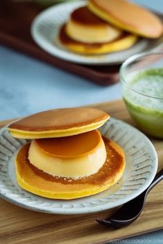 Purin Dora is a new way to enjoy #Dorayaki. Japanese custard pudding called #purin is sandwiched between the two sweet pancakes. With slightly bitter caramel running down the creamy and fluffy pancake, this got to be an ultimate #Japanese #sweets. Easy Japanese Recipes at JustOneCookbook.com Easy Japanese Recipes, Asian Recipes, Sweet Recipes, Asian Desserts, Fun Desserts, Dessert Recipes, Japanese Sweets, Japanese Food, Japanese Candy