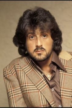 my husband looked so much like this pic of Sly Stallone in the Everybody called him Sly. Rambo 3, Stallone Rocky, Funny People Pictures, Streaming Hd, The Expendables, Hollywood Actor, Hollywood Icons, Good Looking Men, Famous Faces