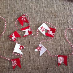 Christmas on a roll - mini bunting x