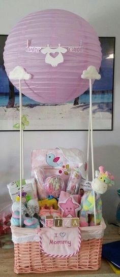 Baby shower hot air balloon. #babygiftbaskets