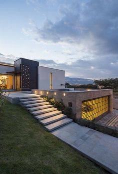 96 Amazing Latest Modern House Designs Architecture 2019 96 Amazing Latest Modern House Designs Architecture The post 96 Amazing Latest Modern House Designs Architecture 2019 appeared first on House ideas. Luxury Modern Homes, Luxury Homes Dream Houses, Modern Mansion, Modern Exterior, Exterior Design, Modern Architecture Design, House Architecture, Landscape Architecture, Modern Buildings