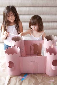 Build a Toy Castle from Upcycled Cardboard - A Beautiful Mess Cardboard Castle, Cardboard Toys, Daughters Day, Daddy Daughter, Castle Crafts, Activities For Kids, Crafts For Kids, Toy Castle, Small Castles