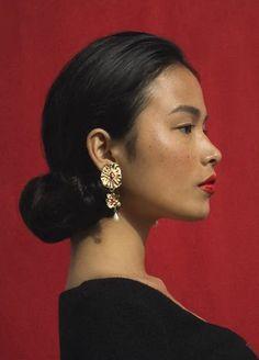 Venus Drop Earrings - Mondo Mondo Face Drawing Reference, Female Reference, Hair Reference, Reference Images, Photo Reference, Anatomy Reference, Face Photography, Profile Photography, Photography Portraits
