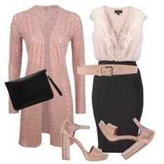 Il rosa molto presente nel guardaroba di una donna che ama vestire femminile e romantico, in un abito a tubino in doppio colore abbinato ad un cardigan lungo e ai sandali...un look veramente chic...mi piace !