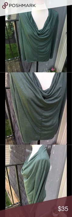 Alternative Apparel Slouch Long Sleeved Top Alternative Apparel slouchy long sleeeved too. Size small. Mossy green in color. Only worn once. As new condition. Very soft! Alternative Apparel Tops Tees - Long Sleeve