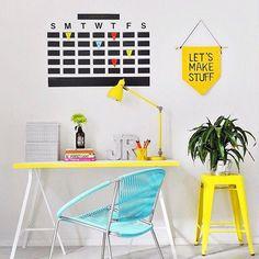 Home office decor ideas that will amazing inspirations 39 ⋆ Main Dekor Network Home Office Design, Home Office Decor, Diy Home Decor, Room Decor, Chalkboard Wall Calendars, Diy Chalkboard, Tape Wall, I Spy Diy, Inspiration Wall