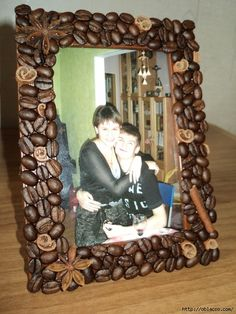 Фоторамка своими руками. Обсуждение на LiveInternet - Российский Сервис Онлайн-Дневников Diy Home Crafts, Easy Diy Crafts, Diy Craft Projects, Art Carton, Picture Frame Crafts, Picture Frames, Pista Shell Crafts, Australia Crafts, Diy Frame