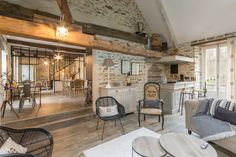 Holiday rentals Gîtes de France – Le Moulin De L & # arz among 55000 Room … - Home & DIY Rustic Restaurant, Rustic Room, Luxury Homes Dream Houses, Living Room Remodel, House Made, Loft, House Plans, Living Spaces, Sweet Home