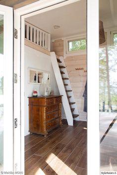 portaat makuuparvelle