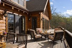 """6""""x12"""" D log. This open deck allows for ample sun throughout the day."""