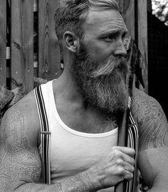 Soon it's time to cut down my beard to this lenght again. ✂ #skägg #noberuofsweden #beard #beardmodel #beardsaresexy #apotecary87 #themanclub #beardmuscles #beardfashion #beardsandtattoos #tattoo #beardedvillains #sweden #vikings