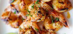 Креветки-гриль, маринованные в соусе чили с лаймом