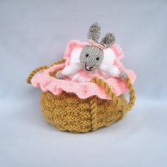 There is nothing sooo sweet as this toy: BABY BUNNY in a basket crib knitted toy rabbit doll Rabbit Toys, Bunny Toys, Baby Bunnies, Rabbit Baby, Knitting Yarn, Baby Knitting, Knitting Patterns, Crochet Patterns, Sewing Patterns