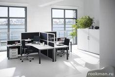 Ламинат 12 мм в небольшом офисе