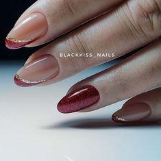 100 most valuable nail design ideas - Page 43 of 99 - Inspiration Diary Classy Nails, Stylish Nails, Cute Nails, Pretty Nails, Tape Nail Art, Fingernails Painted, May Nails, Black Acrylic Nails, Round Nails