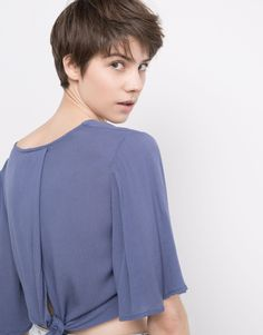 V-NECK TOP WITH TIE - NEW PRODUCTS - NEW PRODUCTS - PULL&BEAR Greece