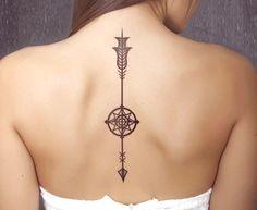 tatouage Flèche Noir-et-blanc