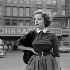 Ce parfait regard en coin dans les années 1950.   23 photos qui prouvent que le style, c'était mieux avant