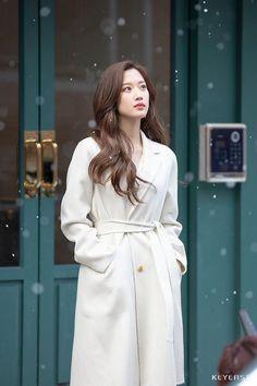 Korean Beauty Girls, Korean Girl, Asian Beauty, Asian Girl, Kpop Fashion, Korean Fashion, Fashion Outfits, Girl Actors, Kim Jisoo