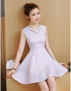 Đầm xoè cúc hoạ mi xinh xắn Frock Fashion, Korean Fashion Dress, Fashion Dresses, Simple Dresses, Cute Dresses, Short Dresses, Cute Little Girls Outfits, Girly Outfits, Kurti Neck Designs