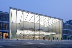 Apple store in Hangzhou / Hangzhou, China / Norman FOSTER + Partners Contemporary Architecture, Architecture Design, Architecture Office, Facade Lighting, Foster Partners, Glass Facades, Glass Boxes, Hangzhou, West Lake