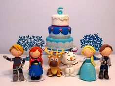 Lindos personagens que fiz em biscuit, modelados à mão, para o aniversário da nossa filhinha em casa! Luciana Costa  Veja mais fotos no nosso blog! Estão disponíveis para locação em SP!  Ateliê Lú Artes e Cia