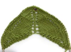 DROPS Knitting Tutorial: How to work the charts for the shawl in DROPS E...