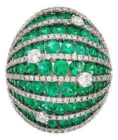 {Diamond, Emerald, White Gold Ring} HT