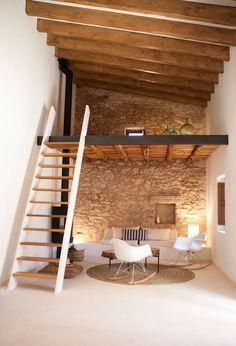 Auténtica casa de vacaciones en Formentera - Houses for Rent in Formentera, Illes Balears, Spain Small Apartments, Small Spaces, Small Rooms, Loft Spaces, Loft Room, Bedroom With Loft, Mezzanine Bedroom, Mezzanine Floor, Bedroom Small
