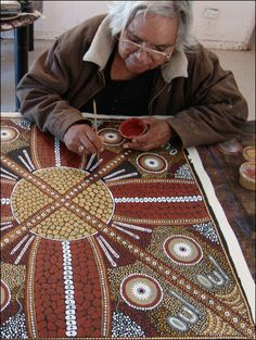 Art aborigène / Women's Ceremonial Site © Selma Coulthard Aboriginal Dot Painting, Aboriginal Artists, Indigenous Australian Art, Indigenous Art, Arte Tribal, Tribal Art, Tribal Prints, Aboriginal Culture, Art Africain