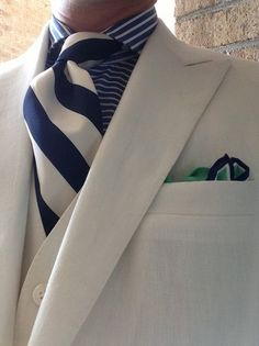 White on white on color? Sharp Dressed Man, Well Dressed Men, Dressed To The Nines, Shirt And Tie Combinations, Color Combinations, Suit Shoes, Mr Style, Wedding Ties, Pinterest Fashion
