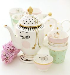 Spotted: The perfect girly tea set.  #loveit  citrusandorange: Pretty things at The Shop ❤