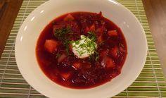 Luxusní polévka z červené řepy. (Ondřej Horecký/Velká Epocha) Cake Recept, Good Food, Yummy Food, Food And Drink, Paleo, Beef, Baking, Epoch, Times