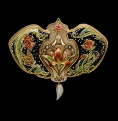 "René Lalique | ""Sunset"" - Central element is an original and unaltered Art Nouveau drop in gold and enamel. It has original tiny pearls and a natural freshwater pearl . Circa 1900."