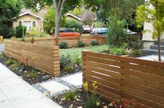 Wonderful Modern Front Yard Landscaping Ideas - Page 3 of 47 Front Yard Planters, Front Yard Patio, Modern Front Yard, Front Yard Landscaping, Front Yard Fence Ideas Curb Appeal, Modern Fence, Porch, Wood Fence Design, Landscaping With Rocks