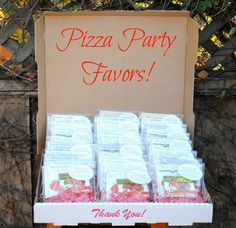 Jac o' lyn Murphy: Mama Mia! Pizza Party Favors To Go. Pizza Party Birthday, First Birthday Party Favor, 2nd Birthday Parties, Birthday Party Favors, Birthday Ideas, Third Birthday, Pizza Party Themes, Kids Pizza Party, Little Italy Party