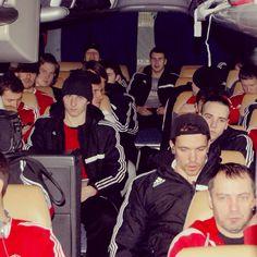 Спартак на пути в аэропорт. Нас ждёт выезд по маршруту Уфа-Нижнекамск-Челябинск-Магнитогорск.