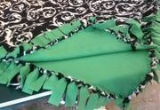 Make a No Sew Fleece Blanket (W/out Bulky Knots)