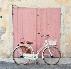 New Vintage Pink Photography Blushes Ideas Panorama Instagram, Pink Photography, Photography Aesthetic, Foto Blog, Rose Pastel, Everything Pink, Vintage Bikes, Vintage Pink, Pretty In Pink