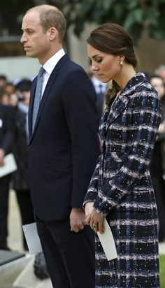 Kate Middleton Photos Photos - Prince William, Duke of Cambridge and Catherine, Duchess of Cambridge attend a paving stone ceremony for Victoria Cross recepients at the Manchester Cenotap during their visit to Manchester on October 14, 2016 in Manchester, England. - The Duke & Duchess Of Cambridge Visit Manchester