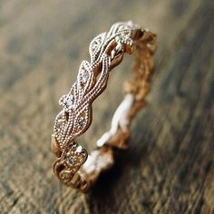 Diamond Wedding Rings 18 Delicate Rose Gold Wedding Rings You'll Never Want To Take Off - Rose gold is one of the sweetest (and hottest) trends of the year. Find out why! We've gathered up our favorite rose gold ring for you to feast your eyes on. Wedding Rings Simple, Beautiful Wedding Rings, Wedding Rings Rose Gold, Wedding Rings Vintage, Antique Engagement Rings, Rose Gold Engagement Ring, Vintage Rings, Wedding Jewelry, Gold Rings
