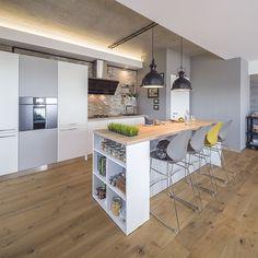 Contrastul nostru preferat: galben și gri, într un apartament nou din București
