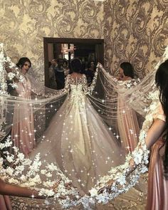 The stress and anxiety that a lot of bride-to-bes experience as their wedding day methods can be frustrating for them. Dream Wedding Dresses, Bridal Dresses, Prom Dresses, Amazing Wedding Dress, Bridesmaid Dresses, Pretty Dresses, Beautiful Dresses, Gorgeous Dress, Wedding Goals